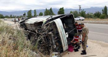 İşçi minibüsü devrildi: 19 yaralı
