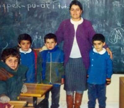 Şemdinli'nin ilk kadın öğretmeni Nimet Öz hayatını kaybetti
