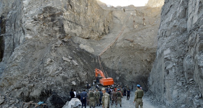 7 işçinin hayatını kaybettiği göçükle ilgili 3 gözaltı