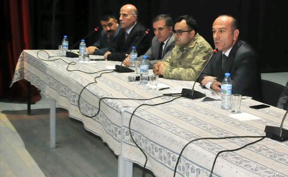 Yüksekova'da esnaf toplantısı yapıldı