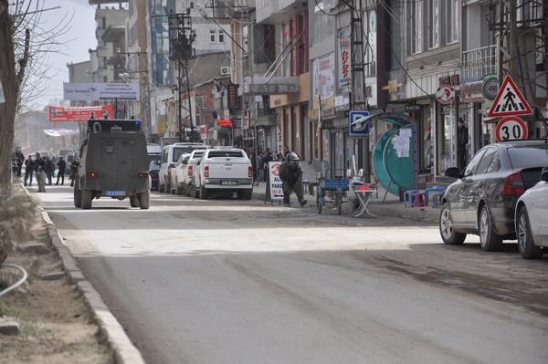 Yüksekova'da fünyeyle patlatılan şüpheli paket boş çıktı