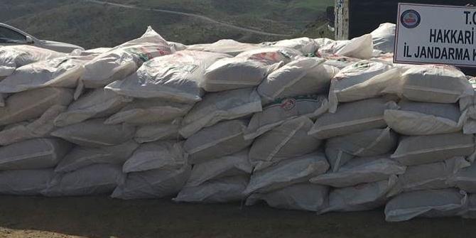 Şemdinli'de 11 bin 550 kilo kaçak çay ele geçirildi