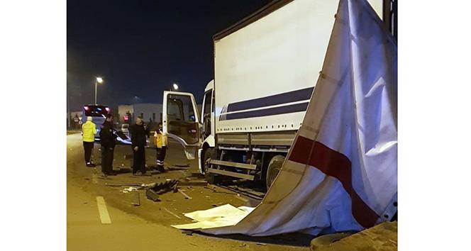 Alkollü otobüs şoförü çöp kamyonuna çarptı: 2 yaralı