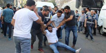 Diyarbakır Karıştı: 28 Gözaltı!