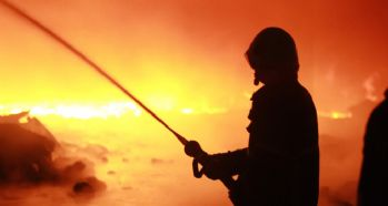 Fabrikada yangın: 8 işçi öldü
