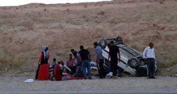 Malatya'da minibüs devrildi: 13 yaralı