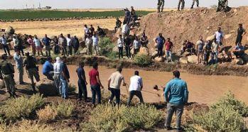 Su kanalı kenarında oynayan çocuklar balçıklı suya düştü: 3 ölü