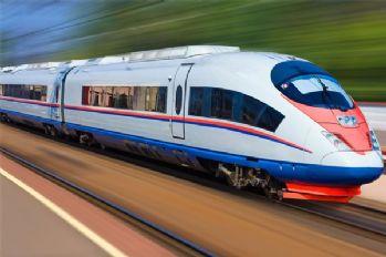 Tren raydan çıktı: 20 ölü