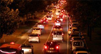 Hafta sonu tatili trafiği felç etti
