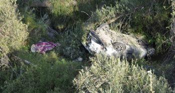 Otomobil 20 metrelik uçuruma yuvarlandı: 1 ölü 2 yaralı