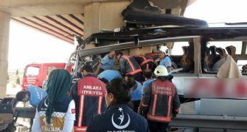 Yolcu otobüsü kaza yaptı: 5 ölü