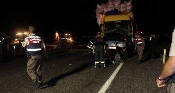 Trafik kazası: 3 ölü, 5 yaralı