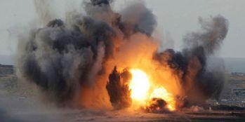 Askeri üsse bombalı saldırı