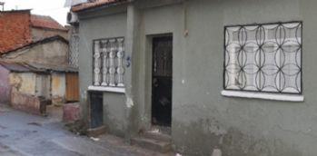 Minik kardeşler evde ölü bulundu