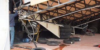 İş yerinin çatısı çöktü: 2 yaralı