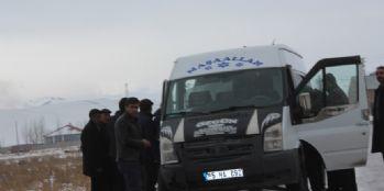 Van'da okul servisi yan yattı: Çok sayıda yaralı var
