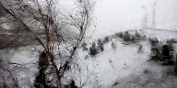 Palandöken'de fırtına hayatı felç etti