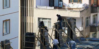 İnşaat işçilerinin tehlikeli çalışması