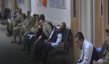 70 asker hastaneye kaldırıldı