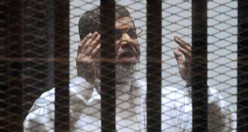Eski Cumhurbaşkanı Mursi 3 yıl hapis cezası aldı