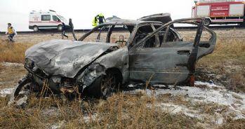 Şarampole devrilen araç alev aldı: 2 ölü, 3 yaralı