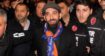 Arda Turan İstanbul'a geldi!