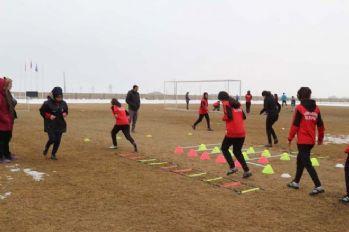 Kadın futbol takımı, Türkiye Şampiyonası'na hazırlanıyor