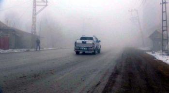 Yüksekova'da sis hayatı olumsuz etkiledi