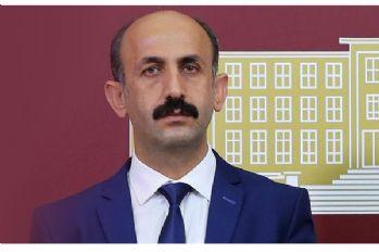 Akdoğan, Yüksekova'da geciken taşınmaz ödemelerini sordu