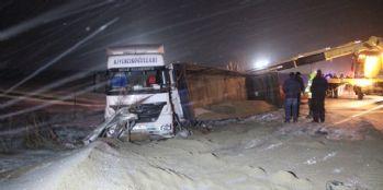 Zincirleme trafik kazası: 1 ölü, 18 yaralı