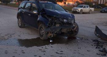 Kontrolsüz kavşakta feci kaza: 6 yaralı