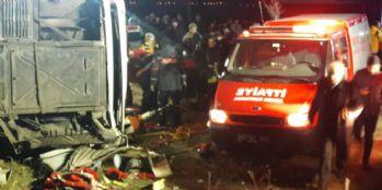 Van'da trafik kazası; 2 ölü, 21 yaralı