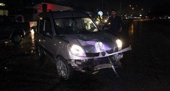 İki araç birbirine girdi: 4 yaralı