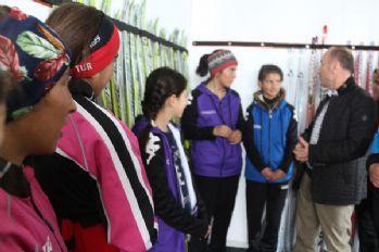 Kaşıkçı,Yüksekovalı Kayakçıları ziyaret etti