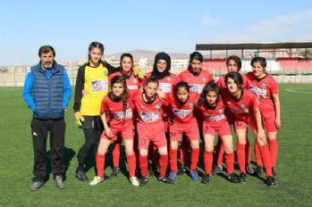Yüksekova kadın futbol takımı 3. Lig'de