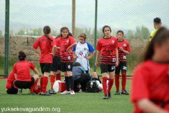 Yüksekova kadın futbol takımı hazırlık maçı yaptı