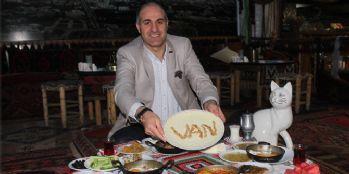 Yılın ilk sahuru meşhur Van kahvaltısıyla yapıldı