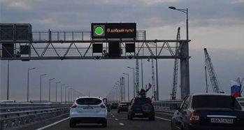 Ruslar yeni köprüye akın etti