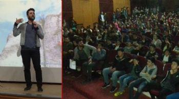 Yüksekova'da öğrencilere moral semineri