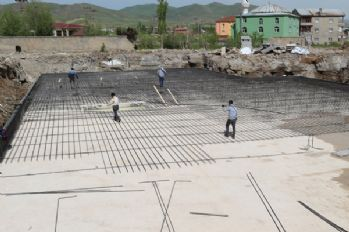 Yüksekova'da yıkılan 4 okul yeniden inşa ediliyor
