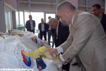 YÜTSO'dan 800 aileye gıda yardımı