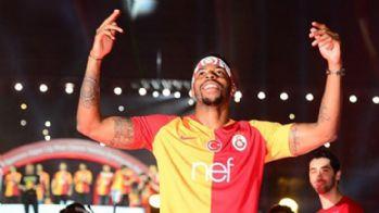 Galatasaray, Donk'un sözleşmesini uzattı
