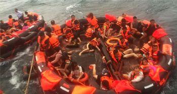 Tayland'da turist teknesi alabora oldu: 7 ölü