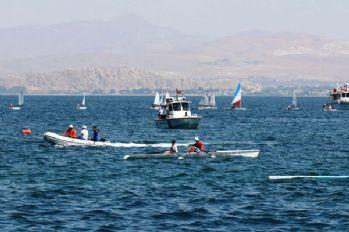Van'da 9. Van Denizi Su Sporları Festivali başladı
