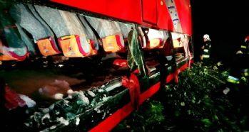 Polonya'da tur otobüsü kaza yaptı: 3 ölü, 51 yaralı