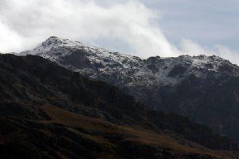 Erek Dağı'nın zirvesi beyaza büründü