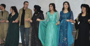 Yüksekova'da soğuk havaya rağmen düğünler devam ediyor