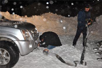 Yüksekova donmak üzere olan 50 kişi son anda kurtarıldı