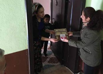 Çukurca Belediyesinden takvim dağıtımı