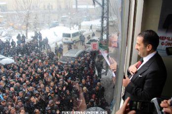 Yüksekova'da Ak Parti Seçim Bürosu Açıldı